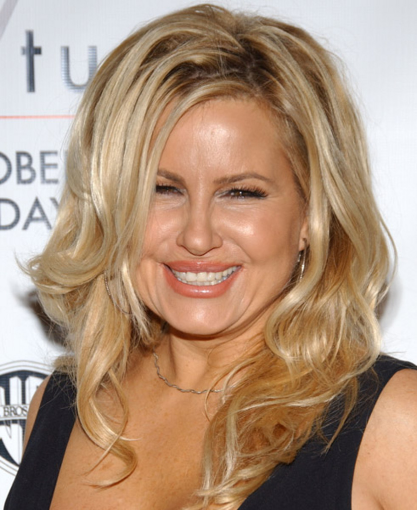 jennifer coolidge plastic surgery photo - 1