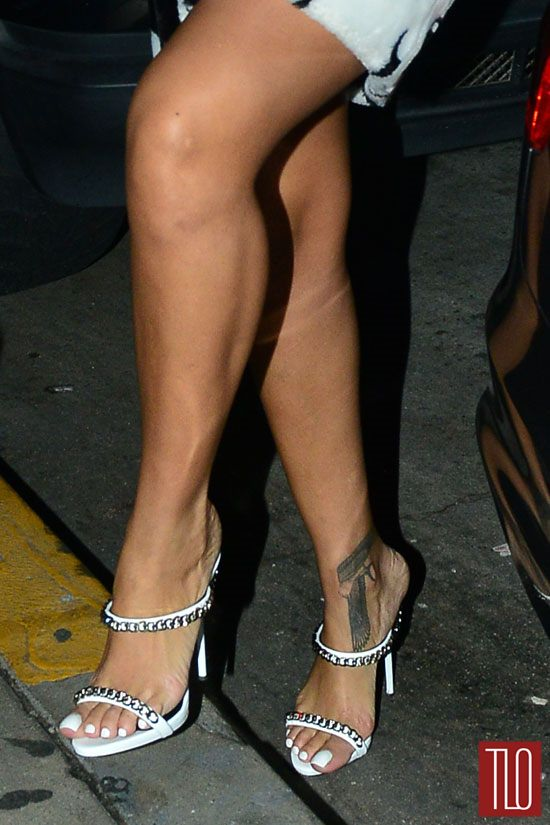 plastic surgery on legs before and after photo - 1